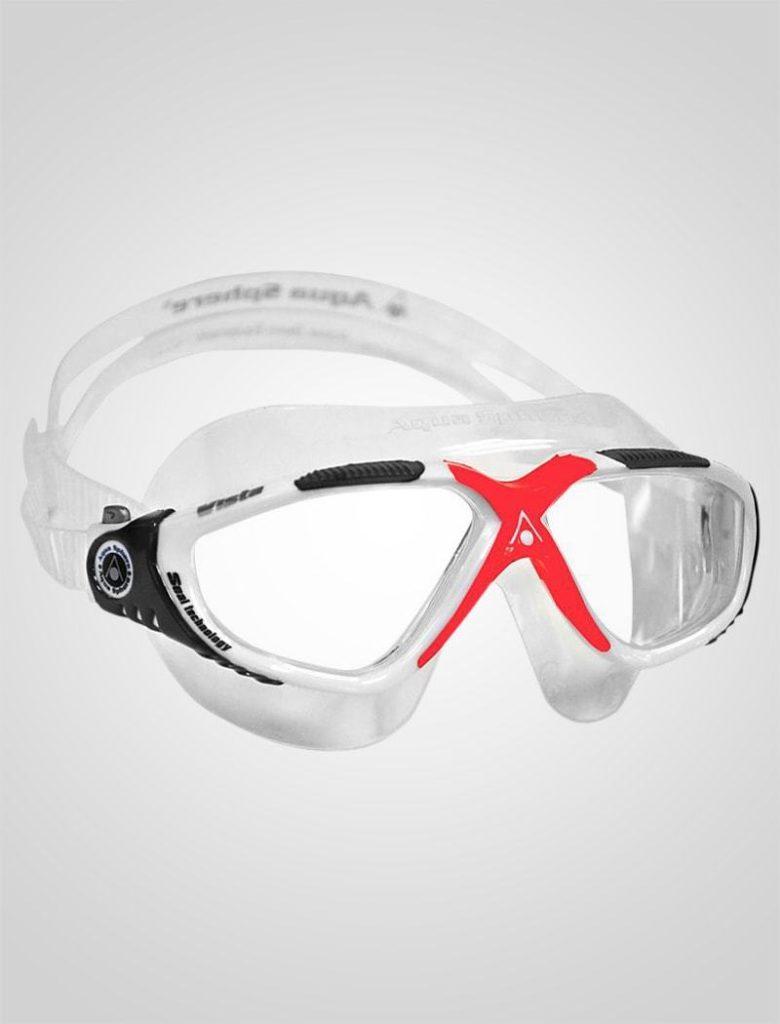 Det næste punkt du bør tage stilling til, er, om dit barn skal have en maske eller en svømmebrille. Der er fordele og ulemper ved begge typer, som jeg vil komme nærmere ind på herunder.